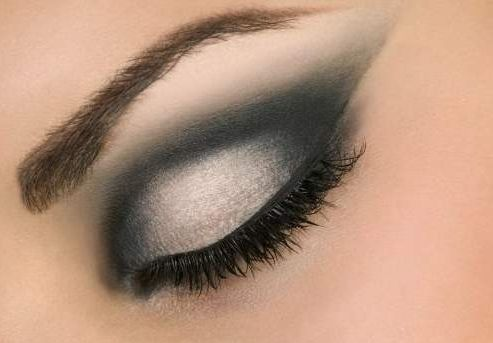 Макияжа – подчеркнуть красоту глаз