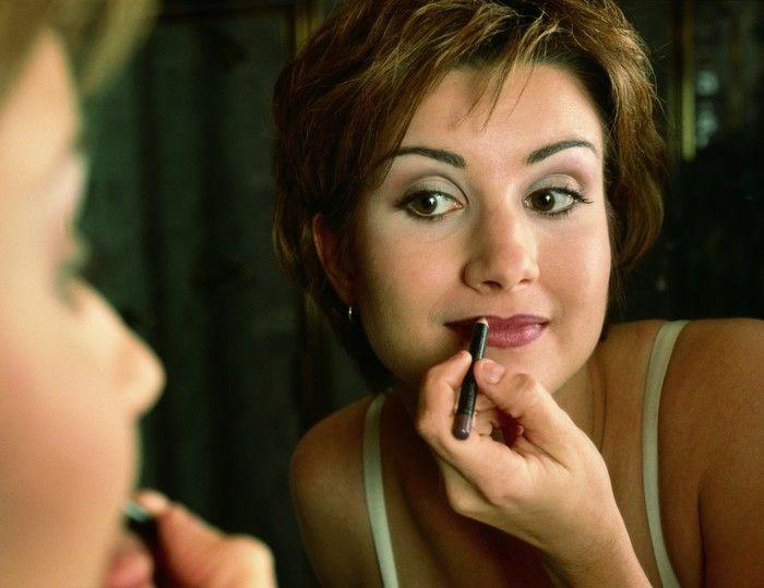 91140345_makeup