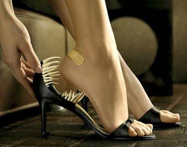 kak_rastjanut_neudobnuju_obuv_samostojatelno-2