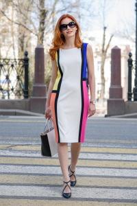 Детали: платье Joseph Ribkoff, сумка Coccinelle