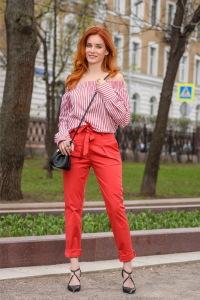 Детали: блуза и брюки Pinko, сумка Patrizia Pepe